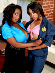 Black MILFs Panther and Vivicia Coxx in..