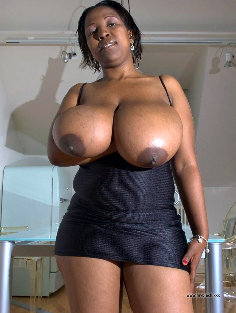 Naked ebony housewives with some raunchy sex appetite.. Photo #2