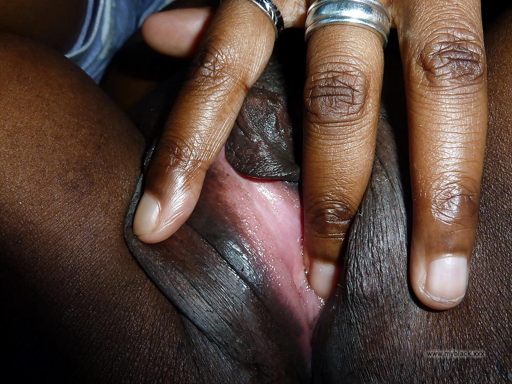 Ebony mega pussy
