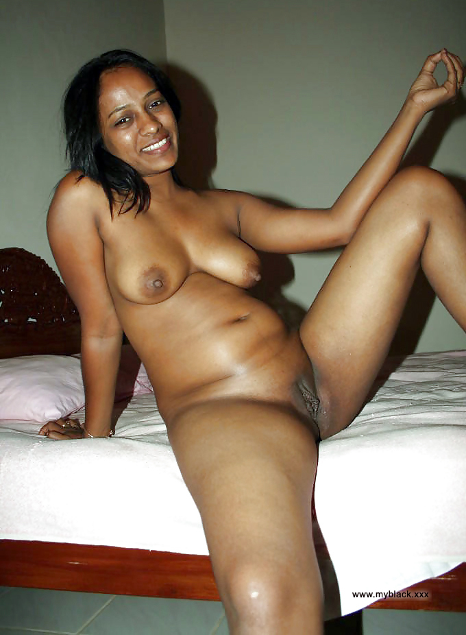 black mom Naked
